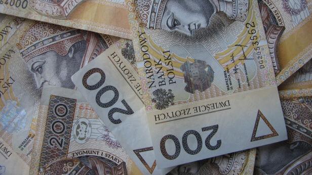 Ile zarabia się w Warszawie? sxc.hu