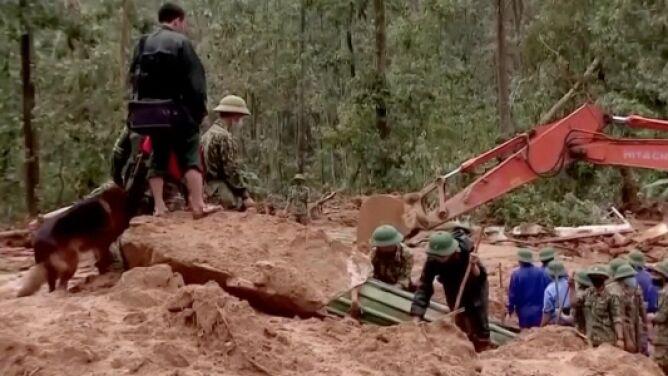 13 żołnierzy zginęło w osuwiskach ziemi