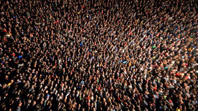 """""""Fizyka tłumu"""" kryje się za tragediami w zbiorowisku ludzkim"""